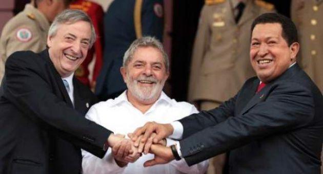 """Néstor Kirchner, Lula da Silva y Hugo Chávez, en 2005, """"No al ALCA"""". Argentina, ¿un proyecto de Nación o una Nación Inviable?"""