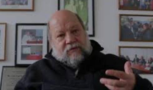 Hugo Spinelli, Director del Instituto de Medicina Colectiva de la Universidad Nacional de Lanús